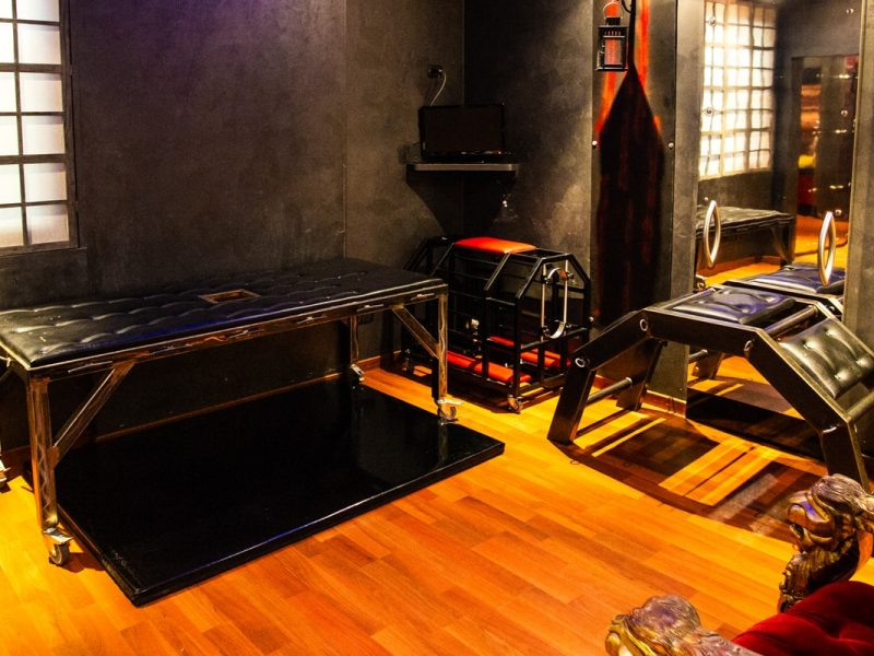 Camere Dungeon di Silk Motel