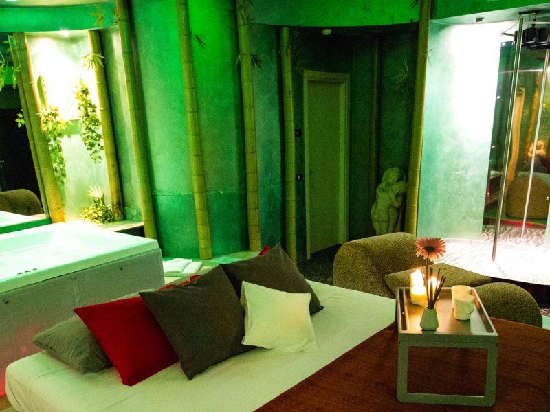 Stanza Bamboo Silk Motel