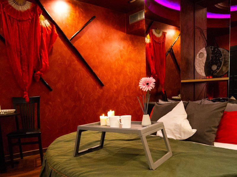 Camera Deluxe Silk Motel